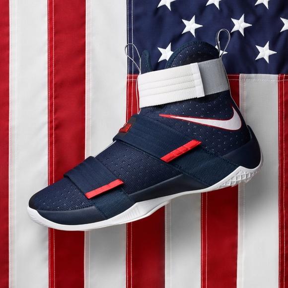 8cdcf369440 NWT Nike Lebron Soldier 10  National Pride  Sz 17